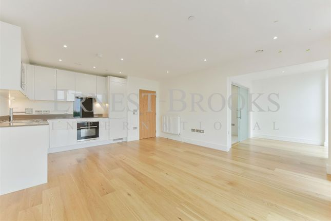 Thumbnail Flat for sale in Sky View Tower, 12 High Street, Stratford