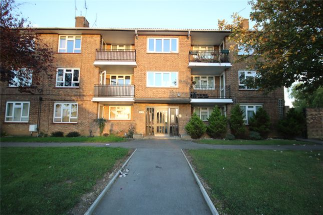 Thumbnail Flat for sale in Avon Road, Chelmsford, Essex