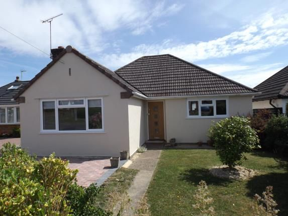 Thumbnail Bungalow for sale in Hythe, Southampton, Hampshire