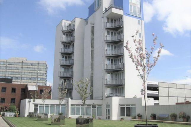 Thumbnail Flat to rent in Gordon Gardens, Swindon