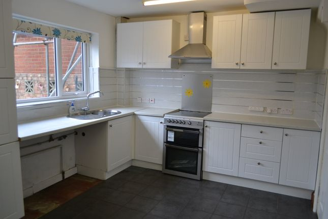 Thumbnail Property to rent in Overbury Crescent, New Addington, Croydon