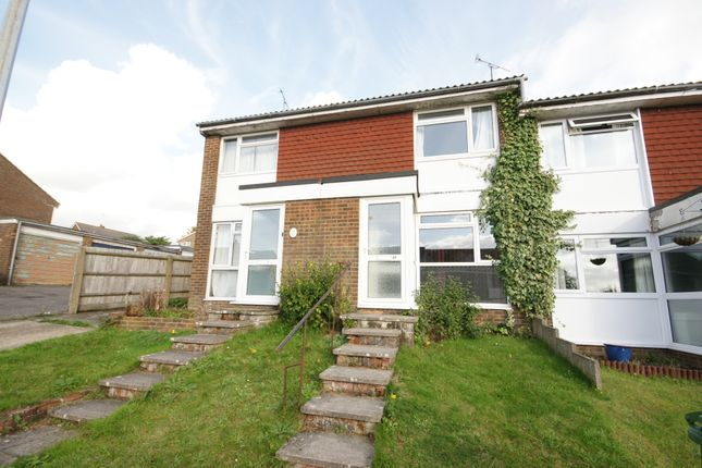 2 bed terraced house to rent in Brandon Close, Alton