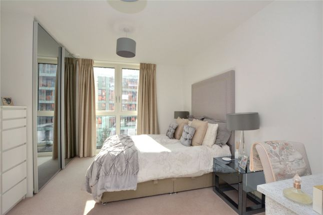Picture No. 04 of Lariat Apartments, 36 Cable Walk, Greenwich, London SE10