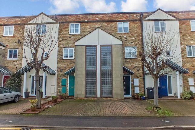 Picture No. 19 of River Terrace, St Neots, Cambridgeshire PE19