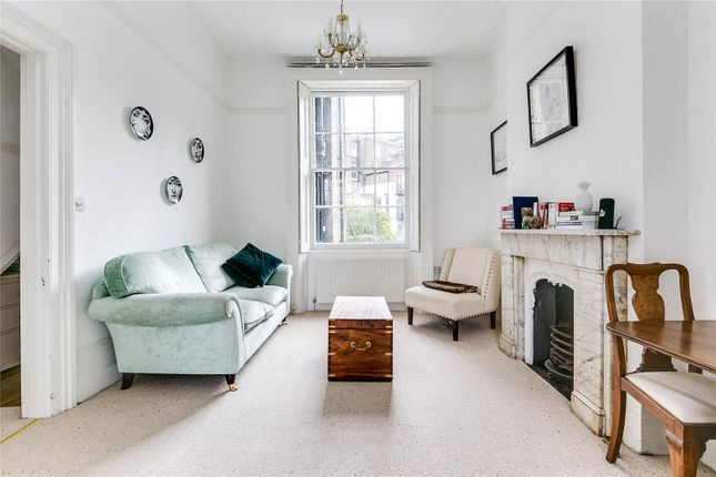 Living Room of Chepstow Villas, London W11