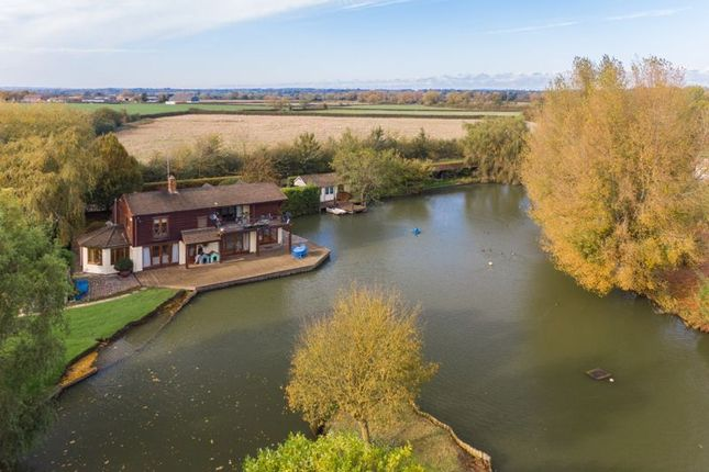 Thumbnail Detached house for sale in Marsh, Aylesbury