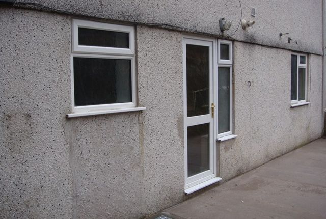 Thumbnail Flat to rent in Oxford Street, Pontycymer