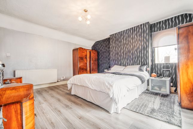 Thumbnail Duplex for sale in Albert Place, Airdrie