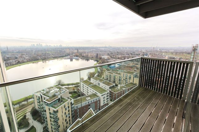 2 bed flat to rent in Residents Tower, Woodberry Grove