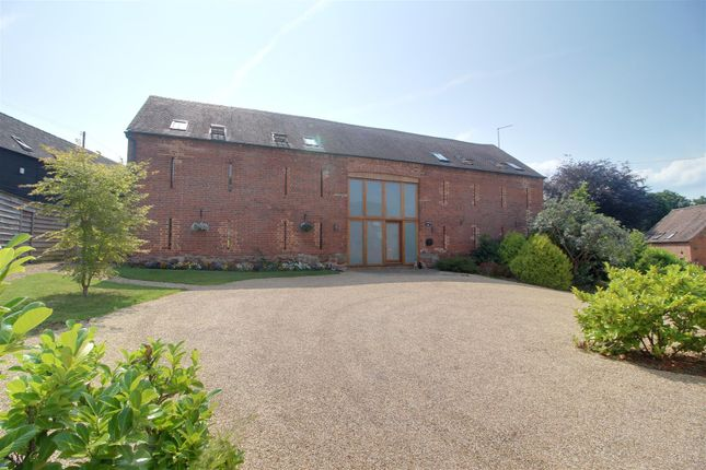 4 bed barn conversion for sale in The Scarr, Newent GL18