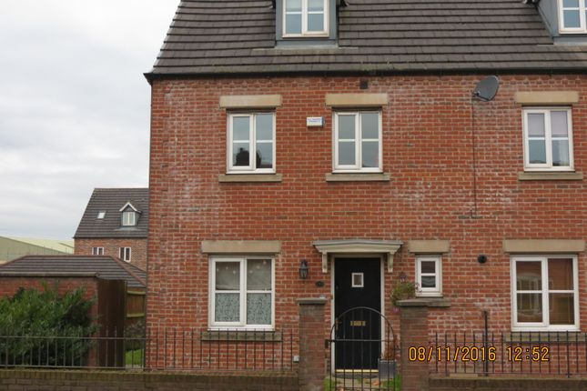 Thumbnail Town house to rent in Church Street, Westhoughton