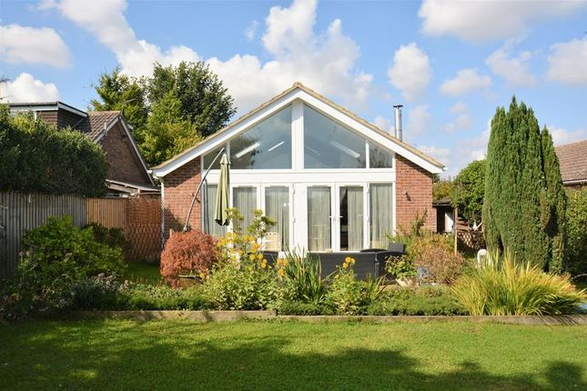 Thumbnail Bungalow for sale in Crafts End, Chilton, Didcot