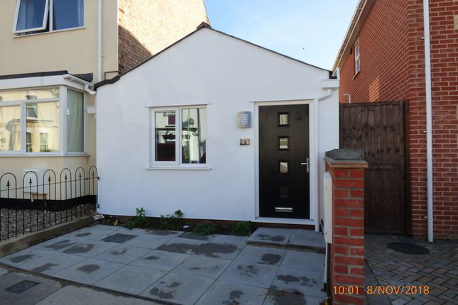 2 bed detached bungalow to rent in Burton Street, Lowestoft NR32