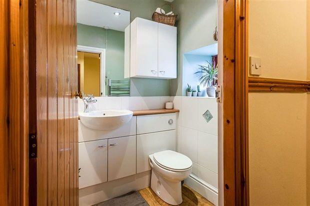 Bathroom of North Road, Carnforth LA5