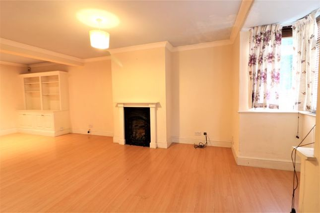 3 bed semi-detached house to rent in Third Avenue, Enfield EN1