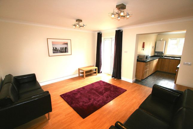Thumbnail Town house to rent in Spear Road, Portswood, Southampton