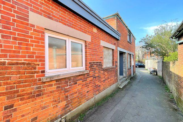Thumbnail Room to rent in Caesars Road, Newport