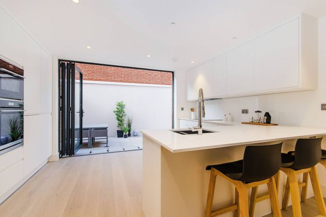 Thumbnail Property for sale in Willcott Road, Acton