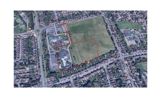 Thumbnail Commercial property for sale in Barnfield College, New Bedford Road, Luton, Bedfordshire
