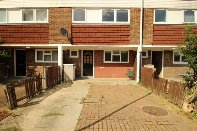 Thumbnail Maisonette to rent in Lamberhurst Close, Orpington