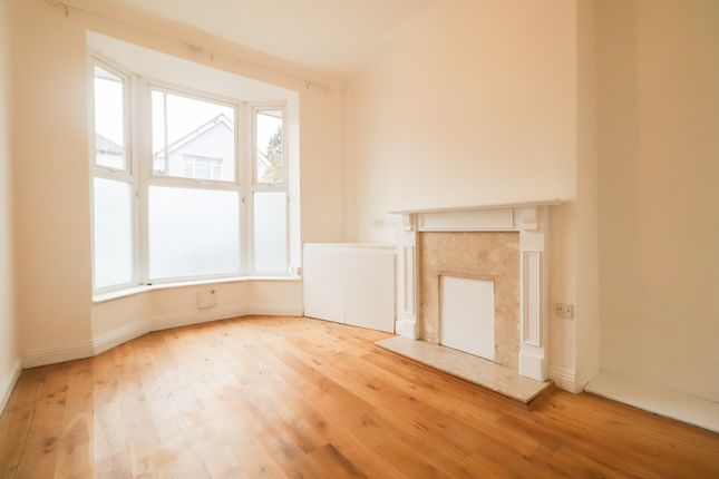 Thumbnail Terraced house to rent in Elm Grove Road, Farnborough