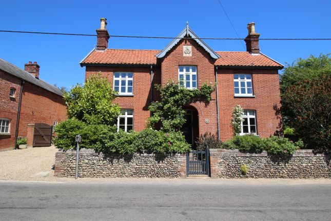 Thumbnail Detached house for sale in Market Place, Kenninghall, Norwich