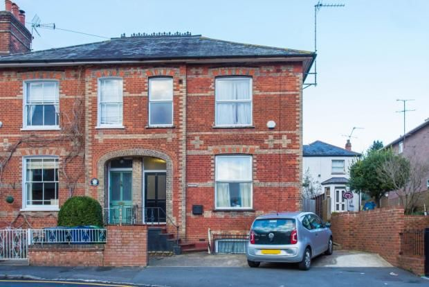 Thumbnail Semi-detached house to rent in Stuart Road, High Wycombe