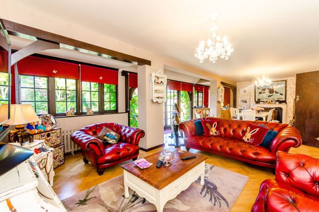 5 bed property for sale in Woodland Way, Woodford Green