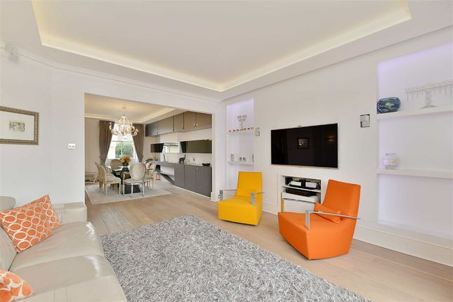 Thumbnail Flat for sale in Clifton Hill, London