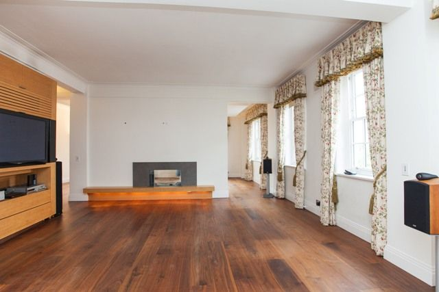 Thumbnail Flat to rent in Duchess Of Bedfords Walk, London