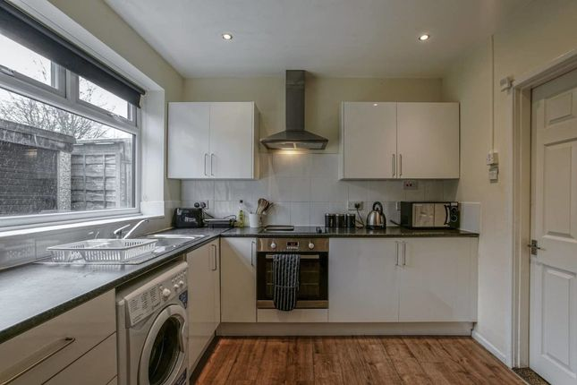 Thumbnail Flat to rent in Sherwell Road, Manchester