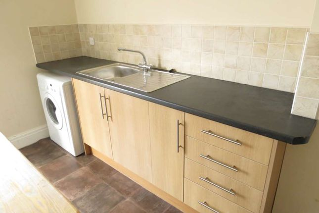 Thumbnail Flat to rent in Park Road, Blackpool