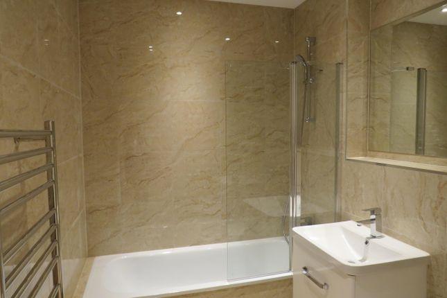 Bathroom of High Road, Broxbourne EN10
