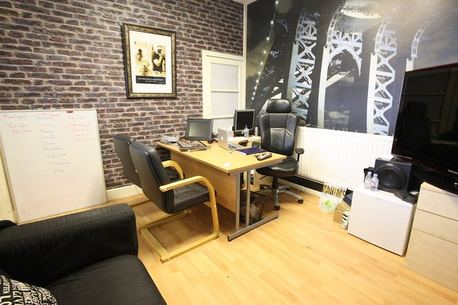 Office to let in Milnpark St - Kinning Park, Glasgow