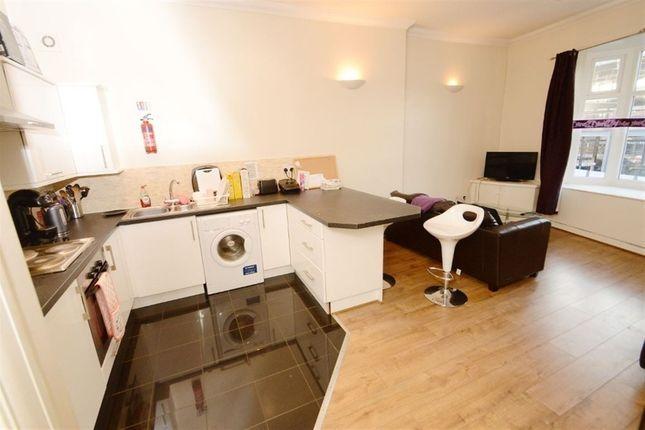 Thumbnail Duplex to rent in Wilmslow Road, Fallowfield