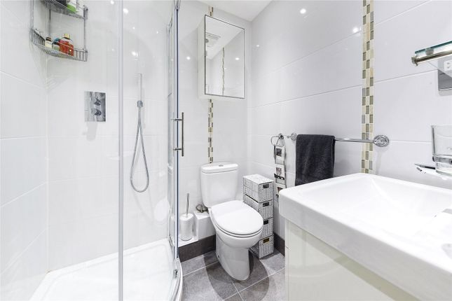 Bathroom of Bridge House, 18 St. George Wharf, London SW8
