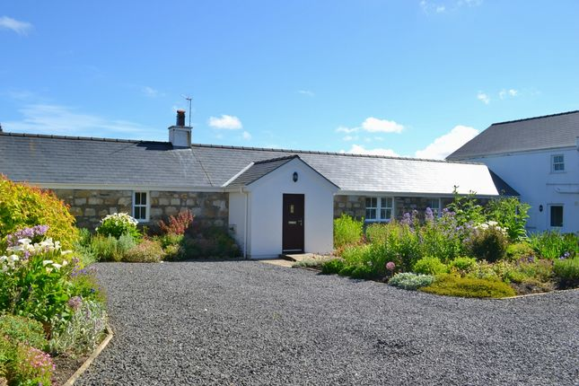 Thumbnail Bungalow to rent in Phildraw Road, Ballasalla, Isle Of Man