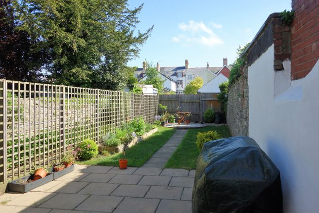 Thumbnail Flat to rent in Archer Road, Penarth