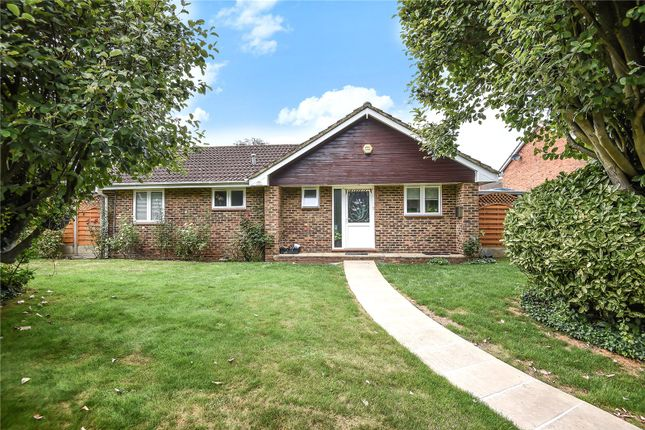 Thumbnail Bungalow for sale in Temple Mead Close, Stanmore, Middlesex