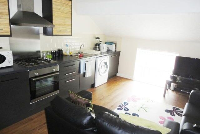 Thumbnail Flat to rent in Flat 3, Roundhay Road, Leeds