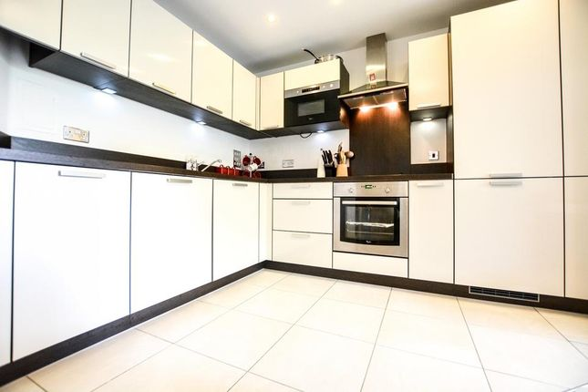 Thumbnail Flat to rent in Needleman Street, London