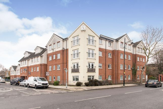 2 bed flat for sale in Symons Close, London SE15