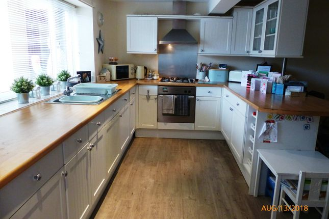 Thumbnail Terraced house to rent in Roberttown Lane, Roberttown, Liversedge, West Yorkshire