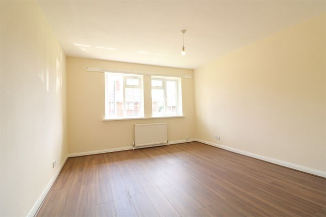 Thumbnail Flat to rent in Lea Gardens, Wembley