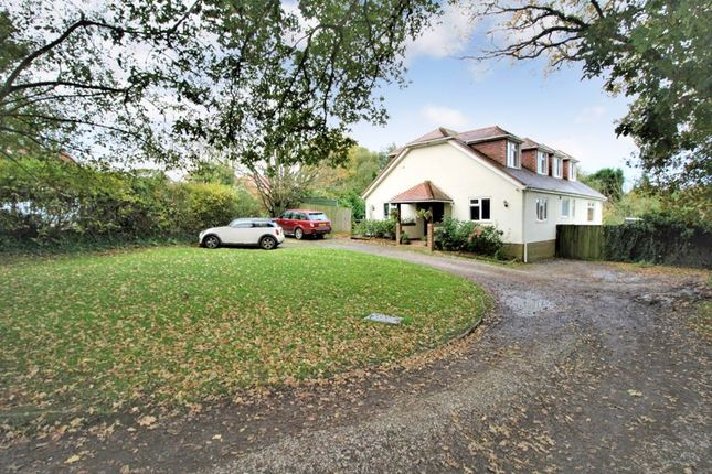 Thumbnail Detached house for sale in Clewers Hill, Waltham Chase, Southampton
