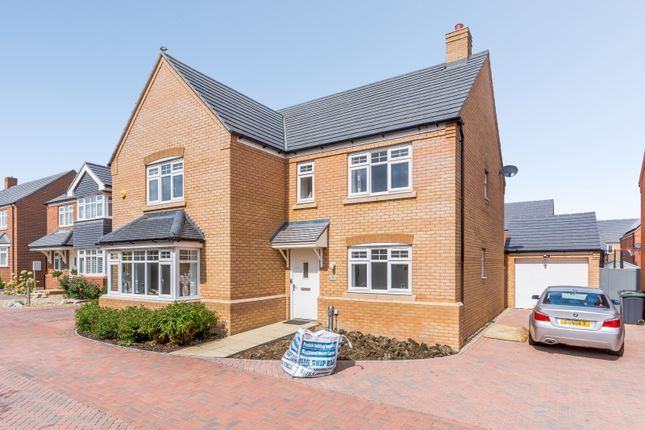 Thumbnail Detached house for sale in Goldfinch Place, Lower Stondon