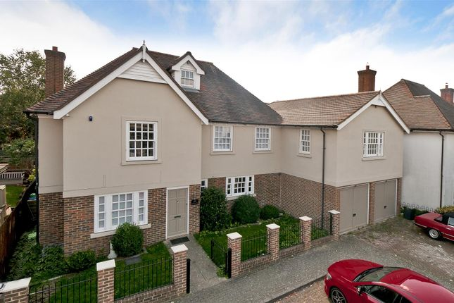 Thumbnail Detached house for sale in Braeburn Way, Kings Hill, West Malling