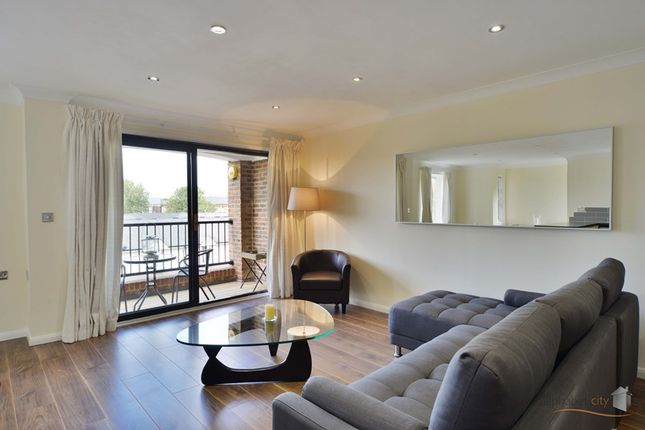 Thumbnail Flat to rent in Plymouth Wharf, Island Gardens