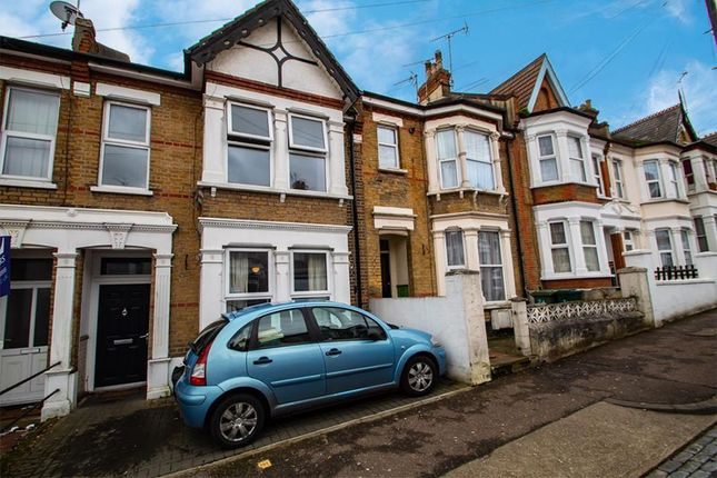 Studio to rent in Heygate, Southend-On-Sea, Essex SS1