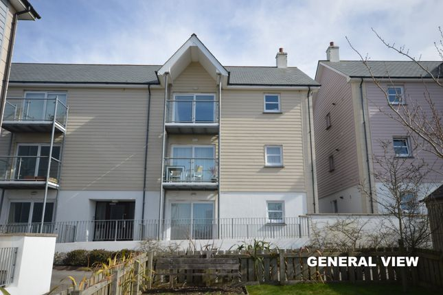 Thumbnail Flat for sale in Godolphin View, Camborne